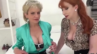 Adulterous uk milf gill ellis shows her big globes
