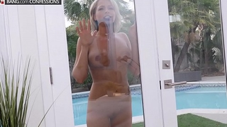 Zoey Monroe gets a naughty surprise on her delivery route
