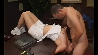 Seductive schoolgirl gets her slit licked and gives blowjob