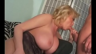 Busty blonde Carolyn Monroe is giving pill popper to the college boy next door