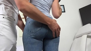 Czech girl Kizzy Sixx visited her doctor