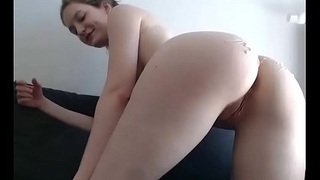 Beatiful camgirl. Awesome ass and pussy